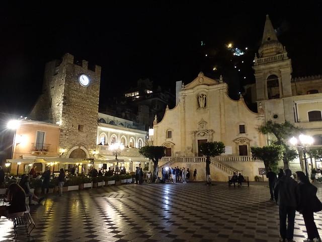 Taormina at night (3)