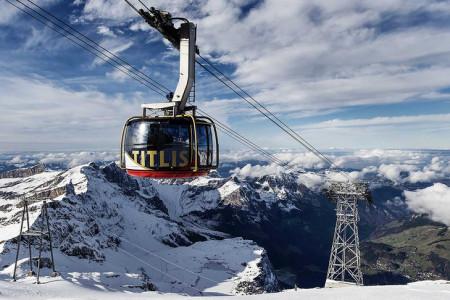 Mezi nejatraktivnější výletní cíle Švýcarska patří bezesporu hora Titlis, tyčící se nad horským městečkem Engelberg. Právě zde se psala historie švýcarské lanové dopravy, a tak zdejší lanovky, které v posledních letec...