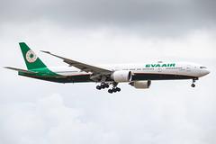 EVA AIR B777-300ER B-16733 001
