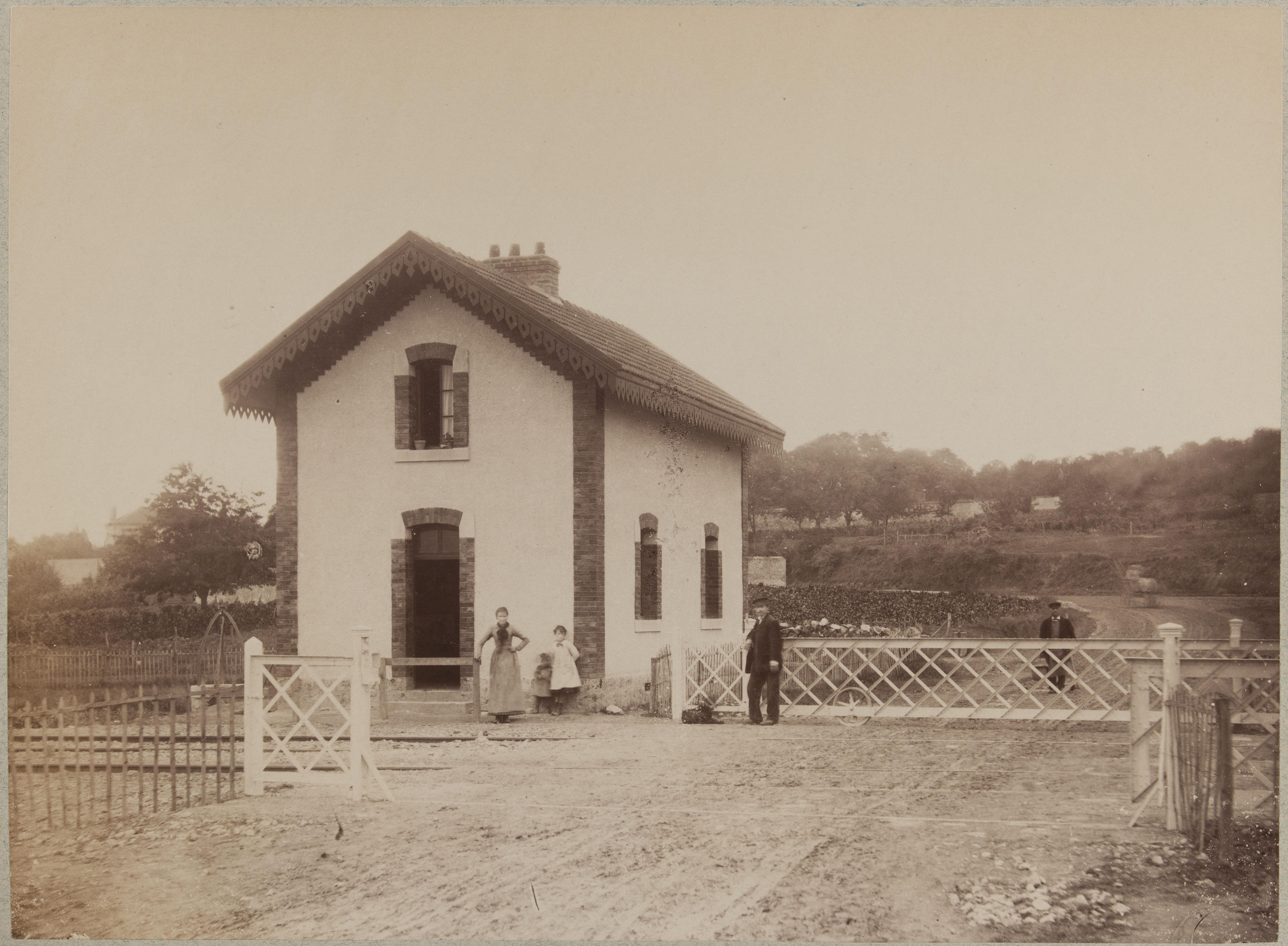 Дом сторожа переезда № 32 в Вильнёв-ле-Рои