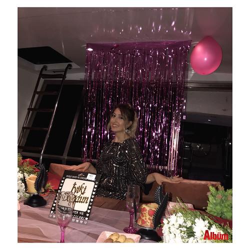 Hale'ye renkli doğum günü