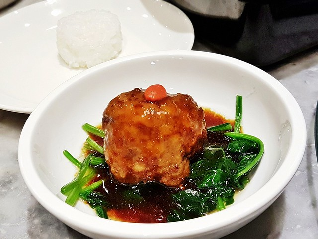 Mrs Zhang's Braised Lion's Head Meat Ball