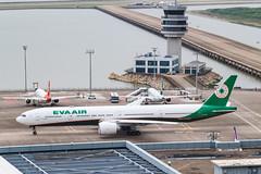 EVA AIR B777-300ER B-16733 005
