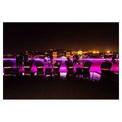 Don't step in the pool! . #xpro2 #fujixpro2 #fujifeed #fujifilm #fujilove #myfujilove #fujifilm_xseries #fujifilmusa #fujifilmnordic #fujifilmme #fujifilm_uk #twitter #geoffroyschied #35mmofmusic #night #mood #pool #bar #barcelona #spain #purple #danger #