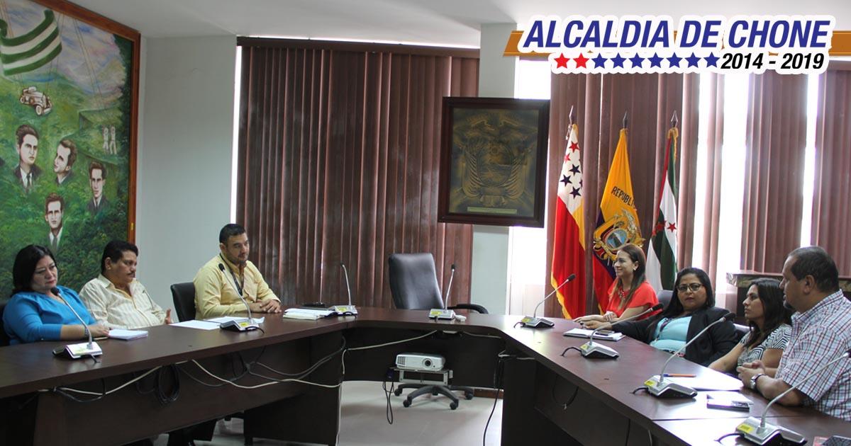 Se discutió fomento y desarrollo de la economía popular y solidaria