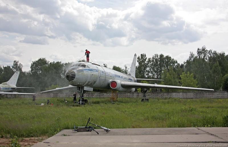 Пассажирский самолёт Ту-104А.