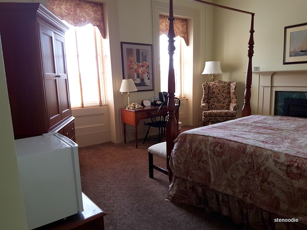 Waddell Hotel rooms