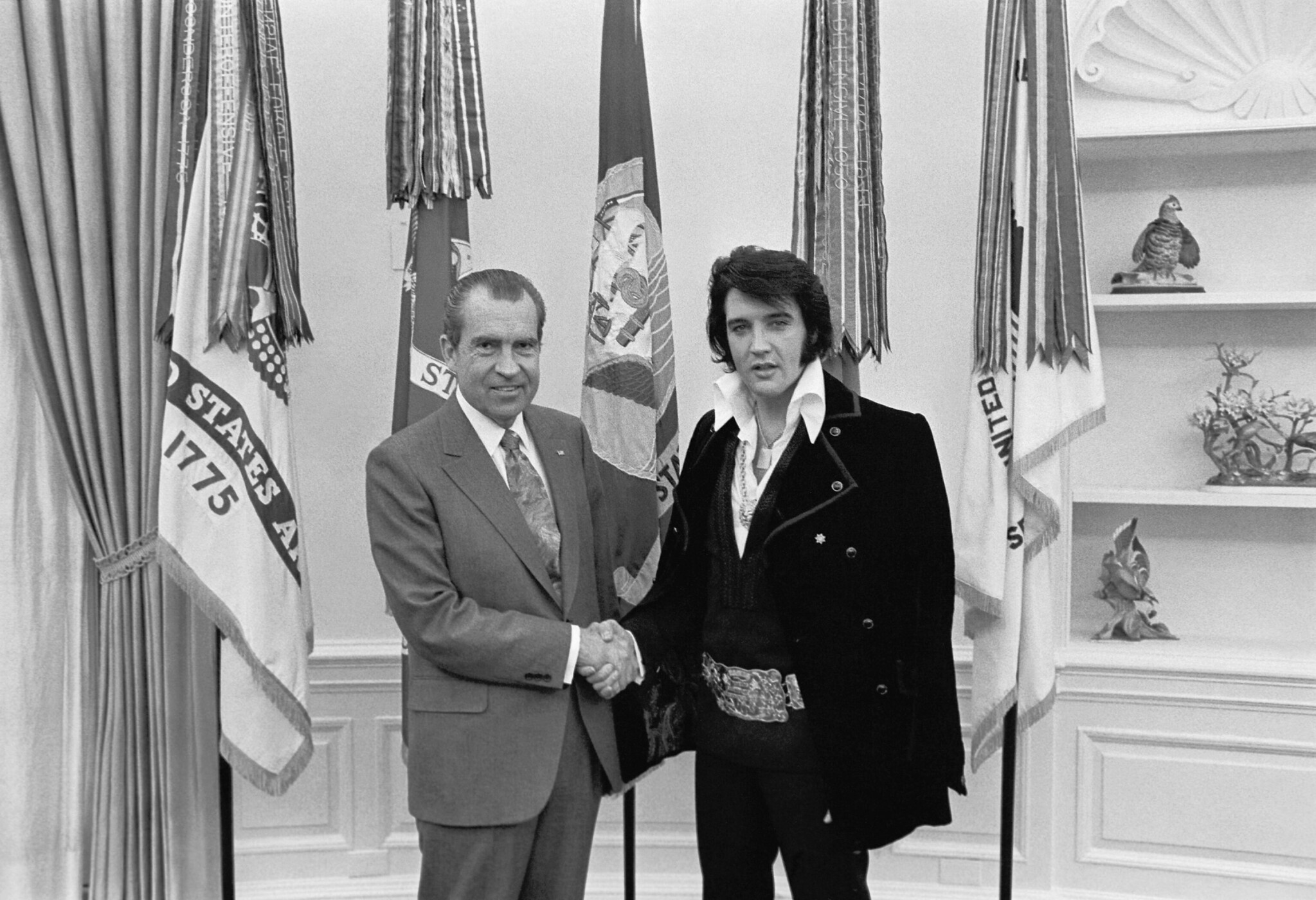 Elvis Presley meeting Richard Nixon. On December 21, 1970, at his own request, Presley met then-President Richard Nixon in the Oval Office of The White House. The Nixon Library & Birthplace sells a number of souvenir items with this photo and the caption,