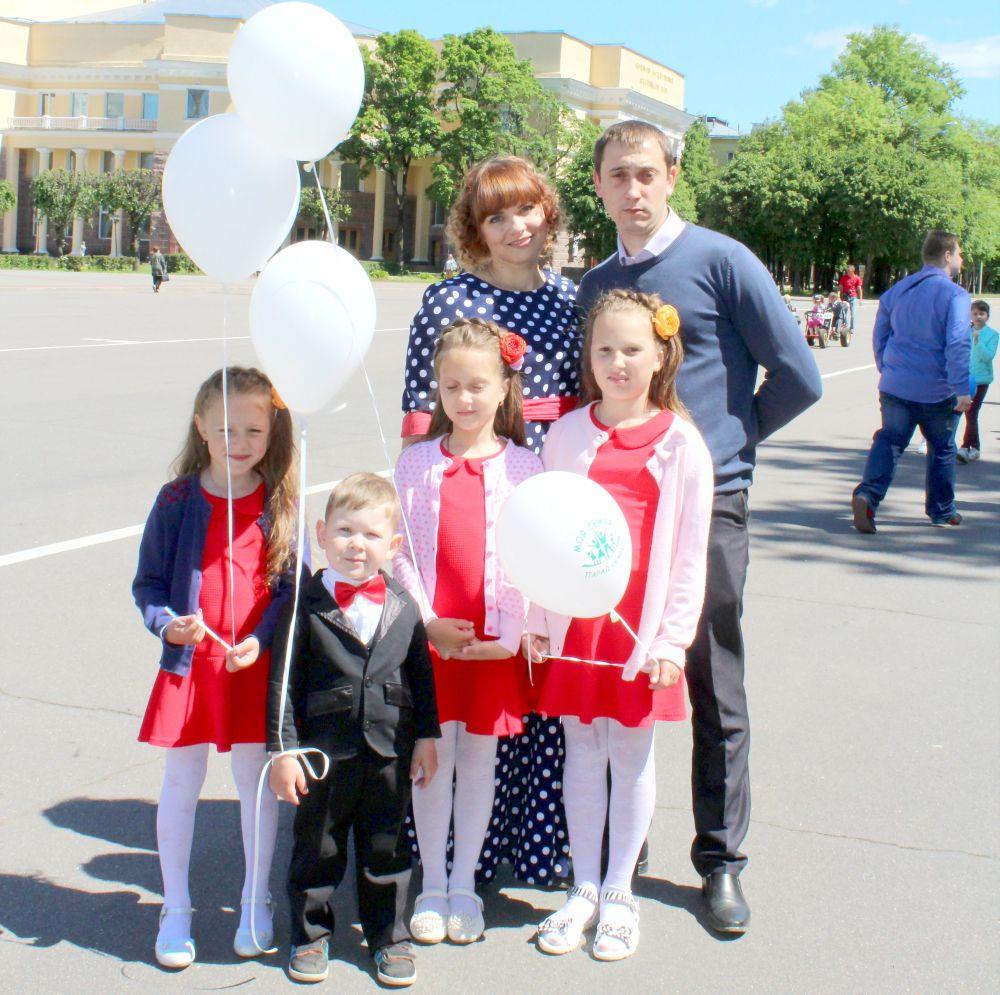Семья Шумиловых, одержавшая победу в номинации «Молодая семья»