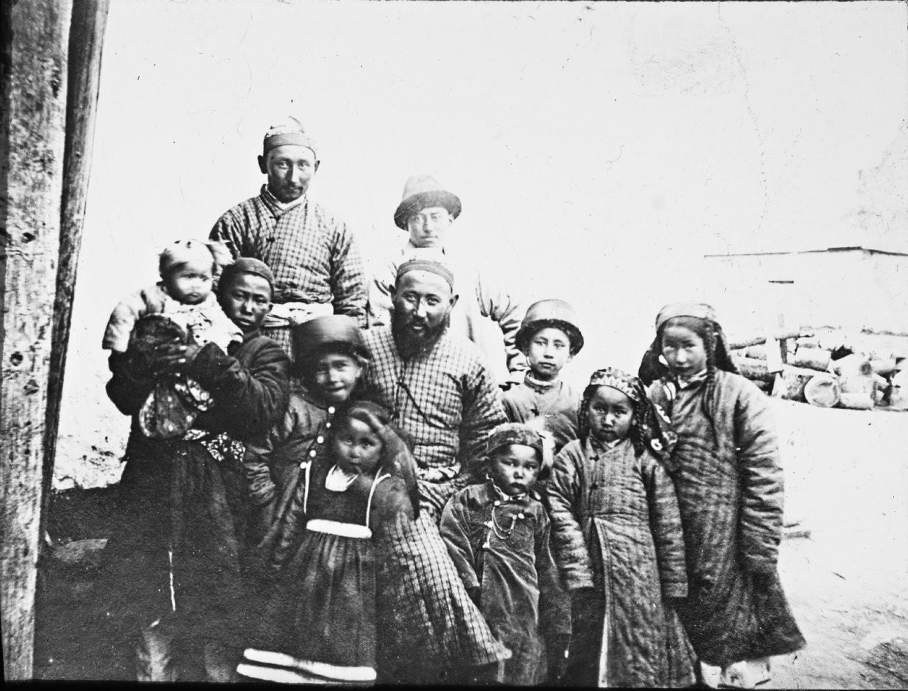 Каракол. Татарская семья