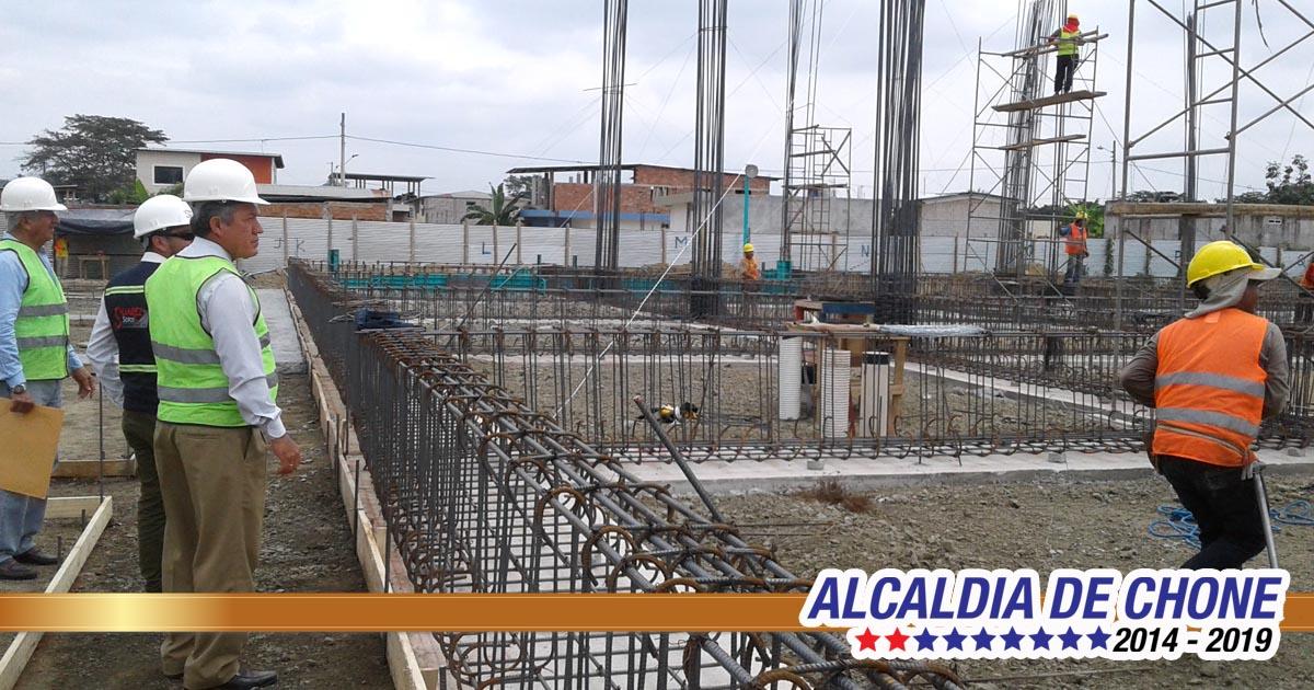 Construcción de mercado genera fuentes de trabajo a chonenses