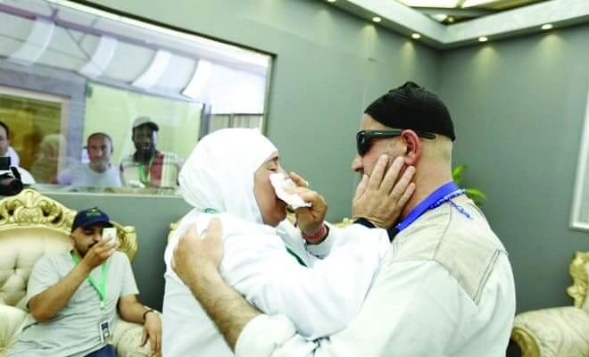 3734 After 15 Years, Allah reunited lost Palestine siblings in Makkah