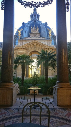 Café terrace in the shade Petit Palais