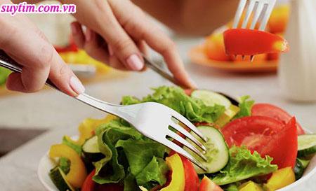 Chế độ ăn uống lành mạnh giúp hạn chế tiến triển của bệnh hở van tim