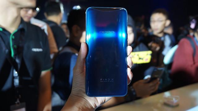 Oppo Find X Glacier Blue (Liputan6.com/ Agustin Setyo W)