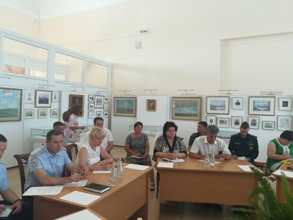 Выездное совещание оргкомитета по подготовке и проведению 47-го Лермонтовского праздника поэзии в музее «Тарханы»