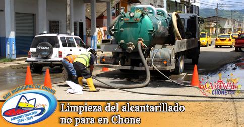 Limpieza del alcantarillado no para en Chone