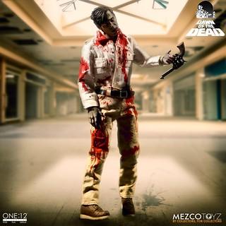 相隔四十年,經典喪屍超逼真人偶化!! MEZCO ONE:12 COLLECTIVE 系列《生人勿近》喪屍套裝 Dawn of the Dead Boxed Set