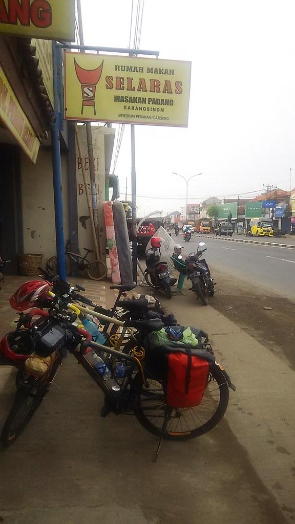 Padang Pit Stop 3