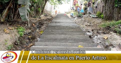 Continúa reconstrucción de La Escalinata en Puerto Arturo