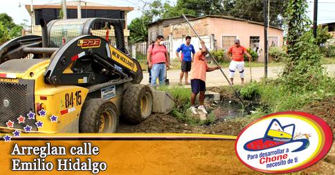 Arreglan calle Emilio Hidalgo