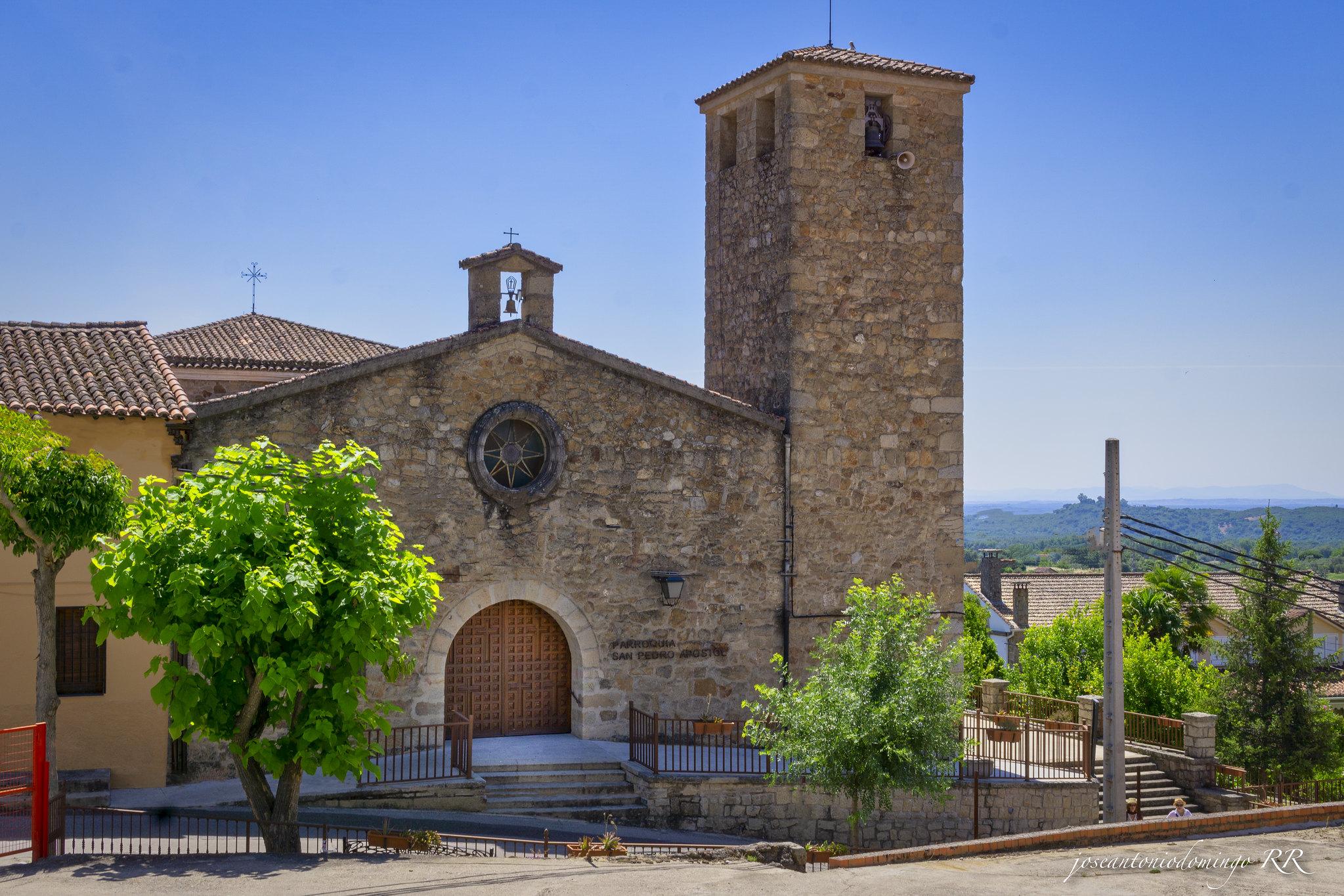 Madrigal de la Vera - Iglesia de San Pedro Apóstol.