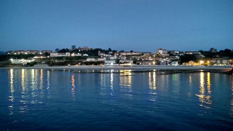 Vista playa nocturna