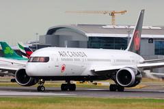 Air Canada 787 (C-FVLZ)