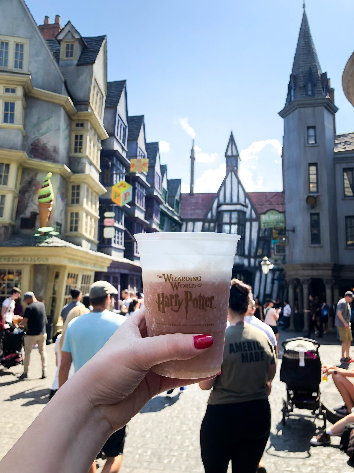 The Wizarding World of Harry Potter Diagon Alley Butterbeer