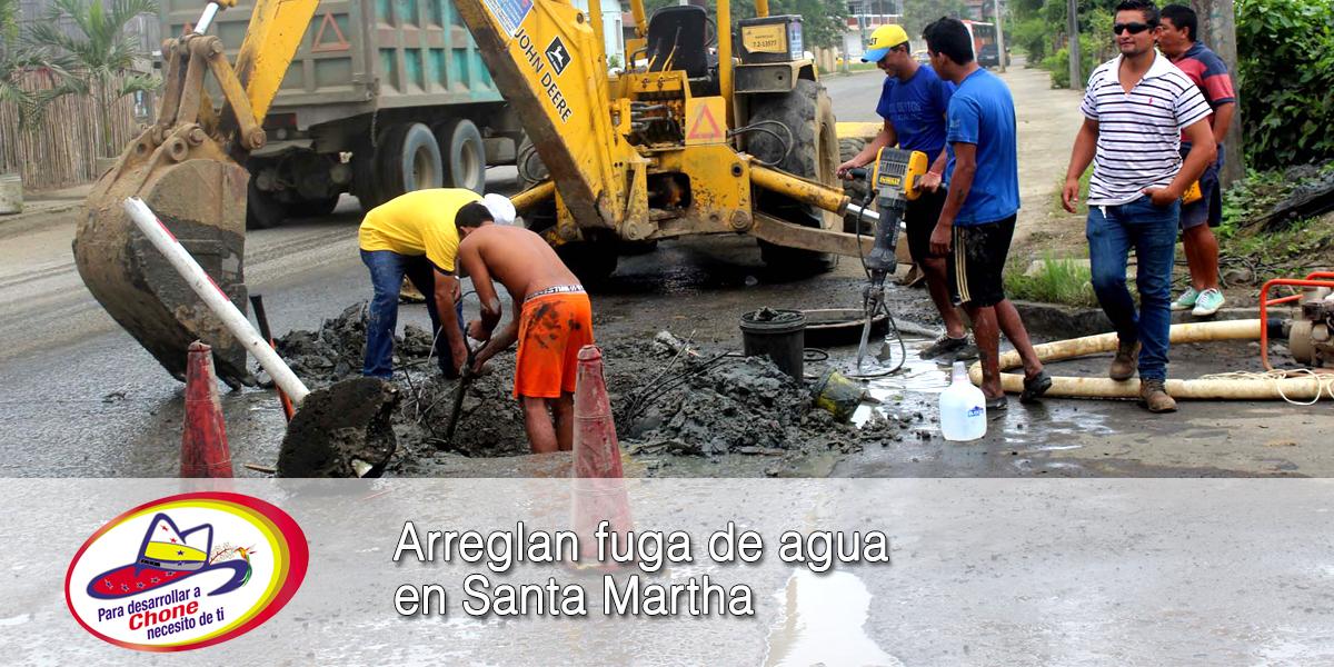 Arreglan fuga de agua en Santa Martha