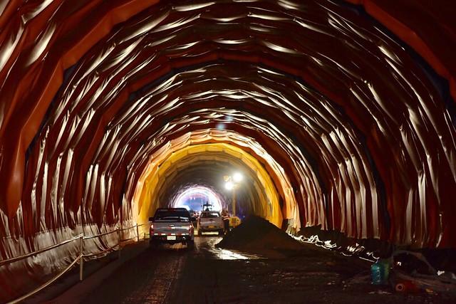 recorrido del Defensor del Pueblo por el megaproyecto del Túnel de La Línea