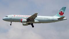 Airbus A320-211 C-FDQQ Air Canada