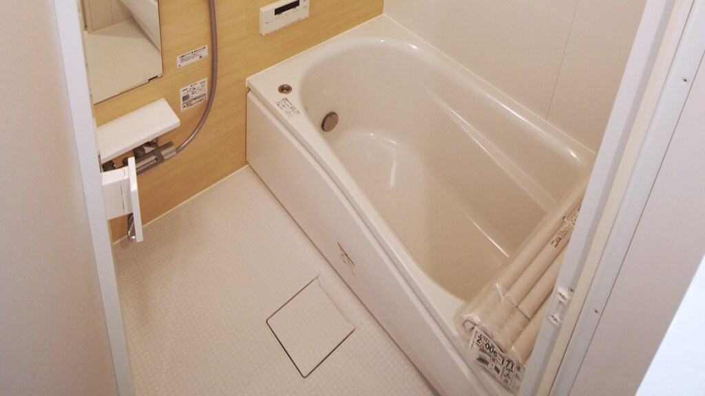 バスルームとバスタブ
