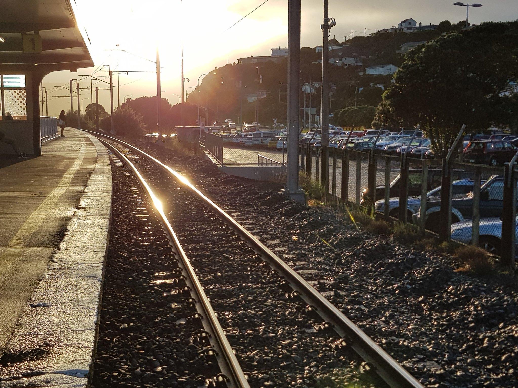 20180620_083358 (The golden railway) (2)