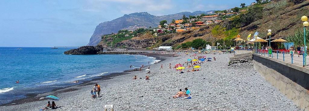 Мадейра. Пляж Прая Формоза (Praia Formosa).