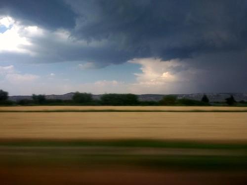 Desde el tren. Nubes de tormenta