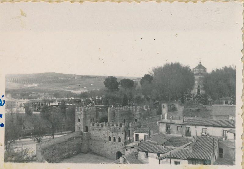 Puerta Vieja de Bisagra en 1962. Fotografía de Julián C.T.