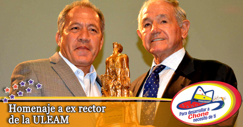 Homenaje a ex rector de la ULEAM