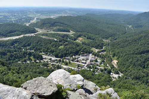 cumberlandgap nps nationalpark danielboone drthomaswalker scenicview pinnacleoverlook middlesboro kentucky tennessee virginia