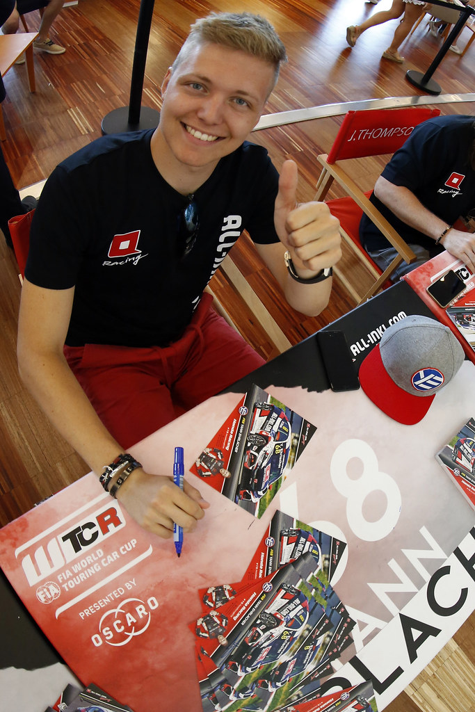 EHRLACHER Yann, (fra), Honda Civic TCR team ALL-INKL.COM Munnich Motorsport, portrait, autograph session during the 2018 FIA WTCR World Touring Car cup of Portugal, Vila Real from june 22 to 24 - Photo Paulo Maria / DPPI