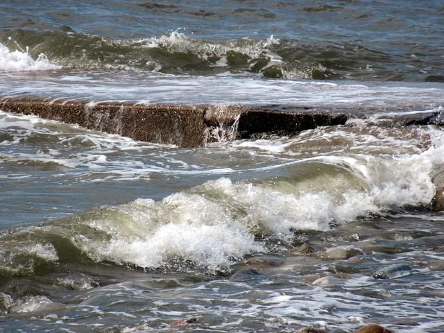 High tide at Earnse Bay