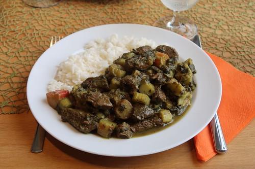Khoresht-e Rivas = persischer Rindfleischtopf mit Rhabarber (mein Teller)