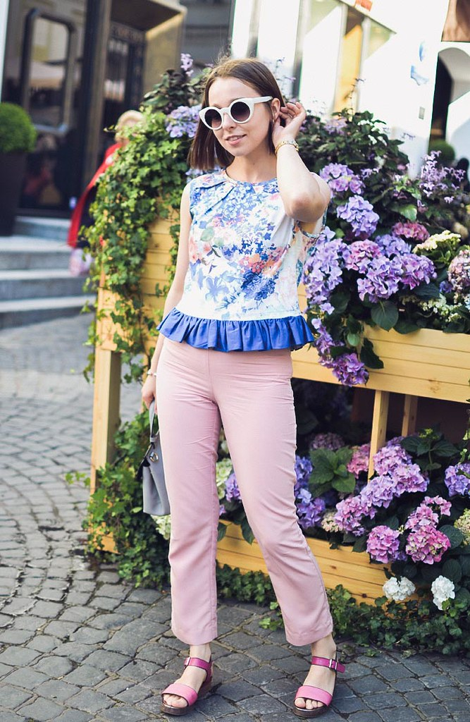 crop_top_with_ruffle-14