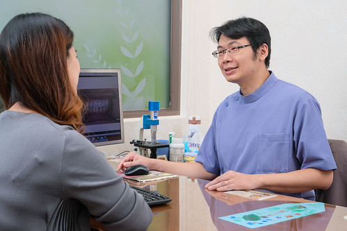[高雄] 施昆育醫師以人本為主自然為輔,推薦全瓷冠假牙