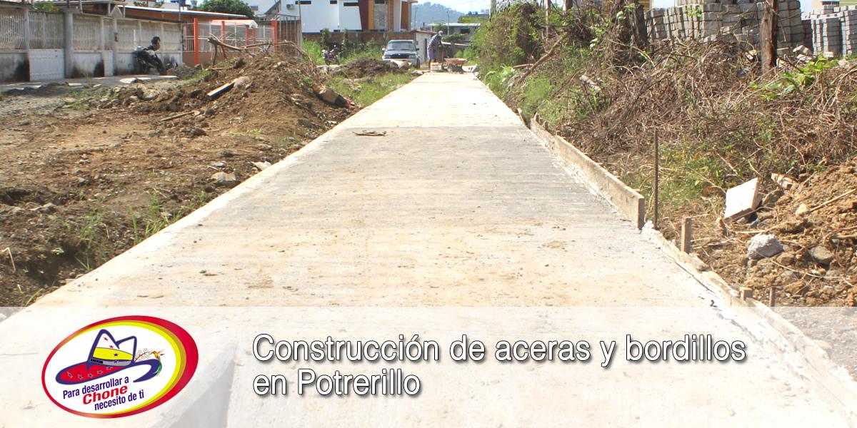 Construcción de aceras y bordillos en Potrerillo