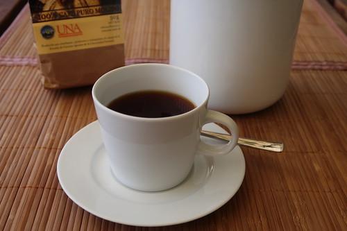 Kaffee (aus Kaffeepulver von der Escuela de Ciencias Argrarias der Universidad Nacional Costa Rica)