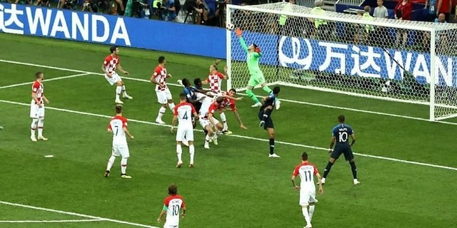 Mario Mandzukic Bikin Gol Bunuh Diri Pertama Di Final Piala Dunia