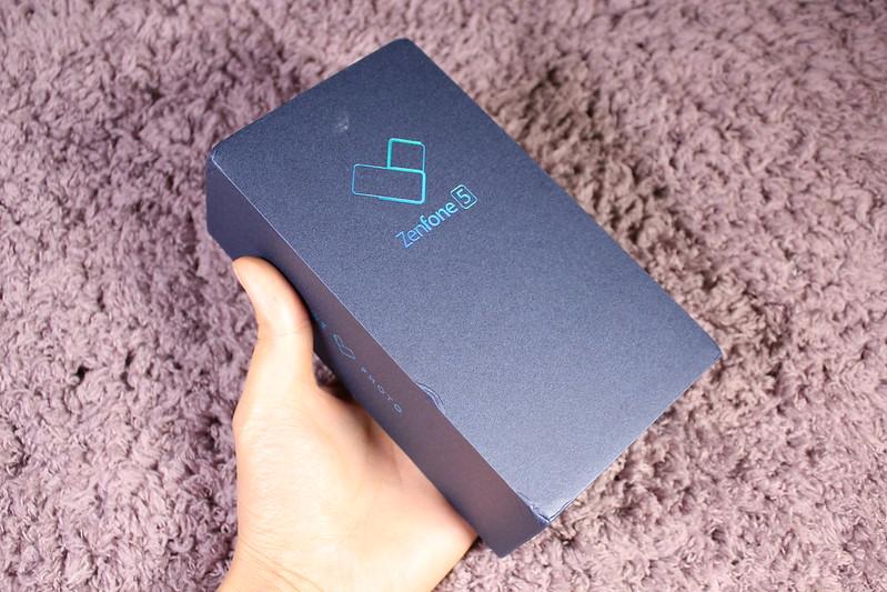 Zenfone 5 開封レビュー (2)