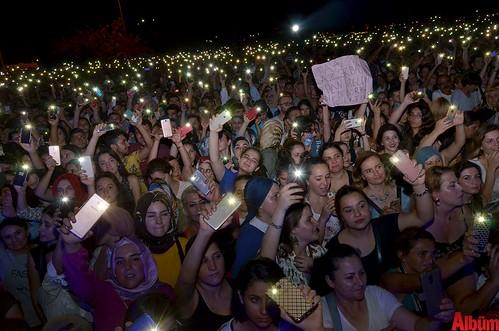 Ebru Gündeş'ten unutulmaz konser