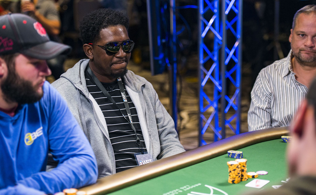 Zynga Poker VIP Hugh Grant Eliminated in 8th Place ...